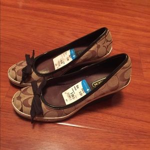 Coach Women's wedge shoes size 5.5 USED
